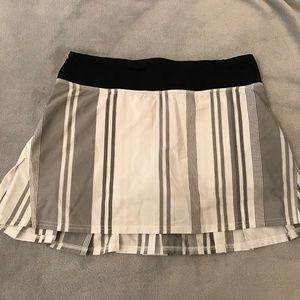 Lululemon Set the Pace Skirt B&W